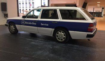 "Mercedes-Benz 300TD ""Servicewagen"" full"